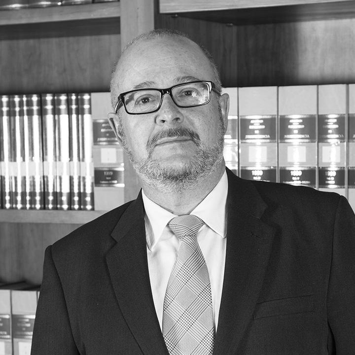 Bufete Sempere Jaén, despacho de abogados en Elche (Alicante) cuenta con los servicios de Antonio Sánchez Más como abogado en el departamento Civil