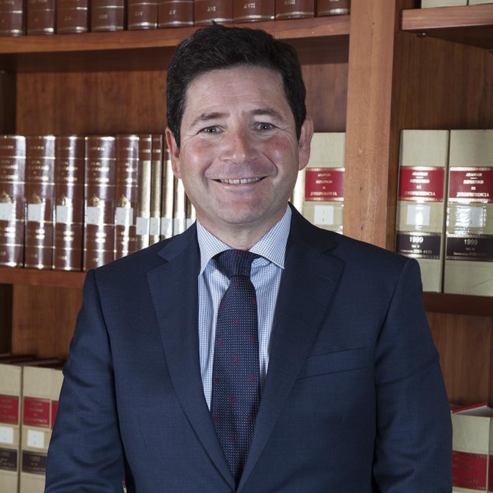 Francisco Javier Sempere Más es abogado especializado en el despacho de abogados en Elche Bufete Sempere Jaén en Elche
