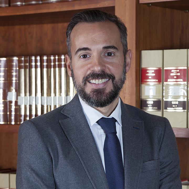 Jesús Morant Vidal es abogado especializado en el despacho de abogados en Elche Bufete Sempere Jaén en Elche