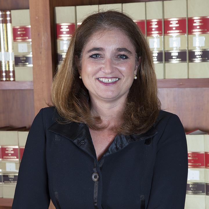 María Cristina Sempere Más es abogada en el área bancaria en despacho de abogados en Elche Bufete Sempere Jaen