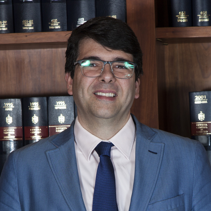 Javier Gonzálvez Albero es Abogado Economista en el despacho de abogados en Elche Bufete Sempere Jaén en Elche